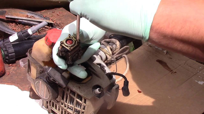 Cleaning Weed Eater Carburetor