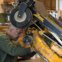 How to Remove Riding Lawn Mower Blade